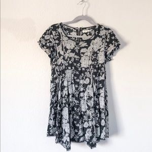 {Urban Outfitters: Silence+Noise} Witchy Tee Dress